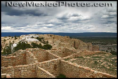 ruins on the top of the mesa at El Morro National Monument