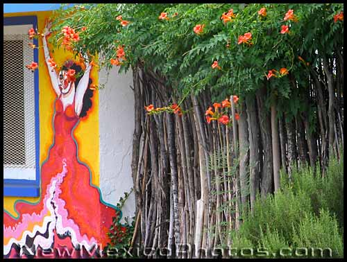 mural in south valley with trumpet vine