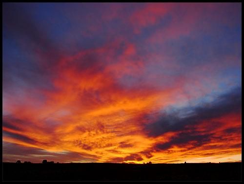 photo of a brilliant winter sunset in northwestern New Mexico