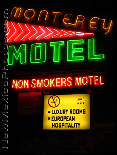 photo of the neon sign at a route 66 nonsmokers hotel