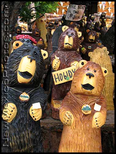 chainsaw-carved bears in ruidoso