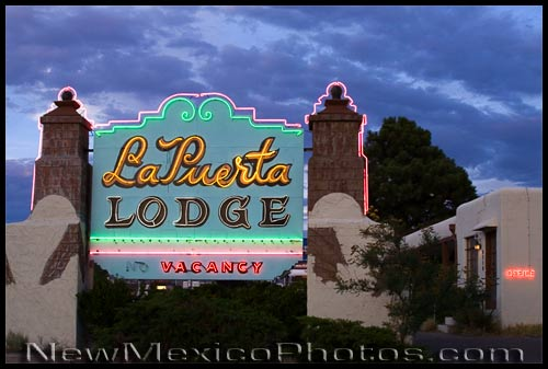 la puerta lodge at sunset in Albuquerque